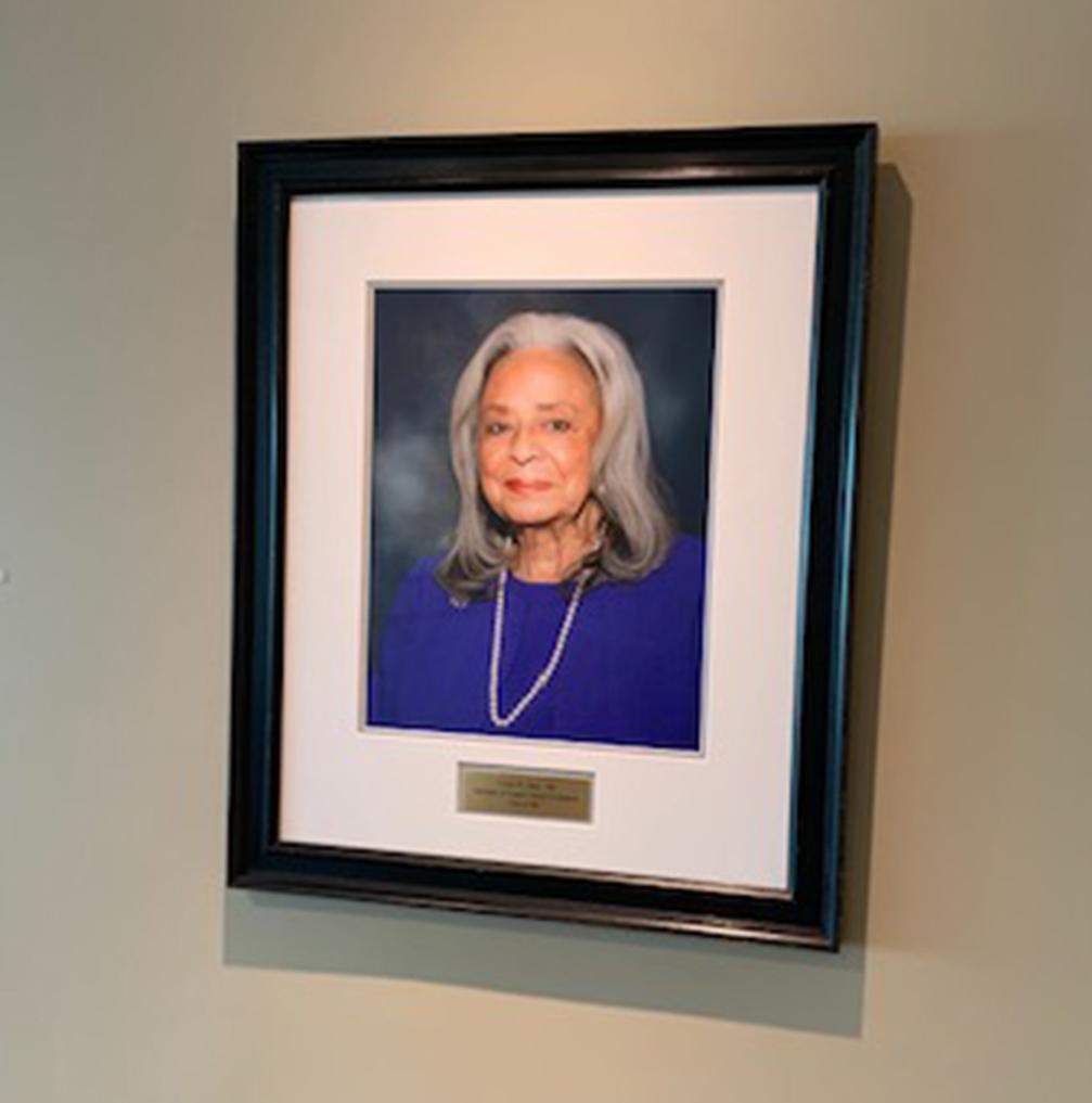 portrait of Vivian Pinn